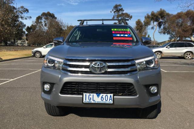 2015 Toyota HiLux SR5 (4X4)