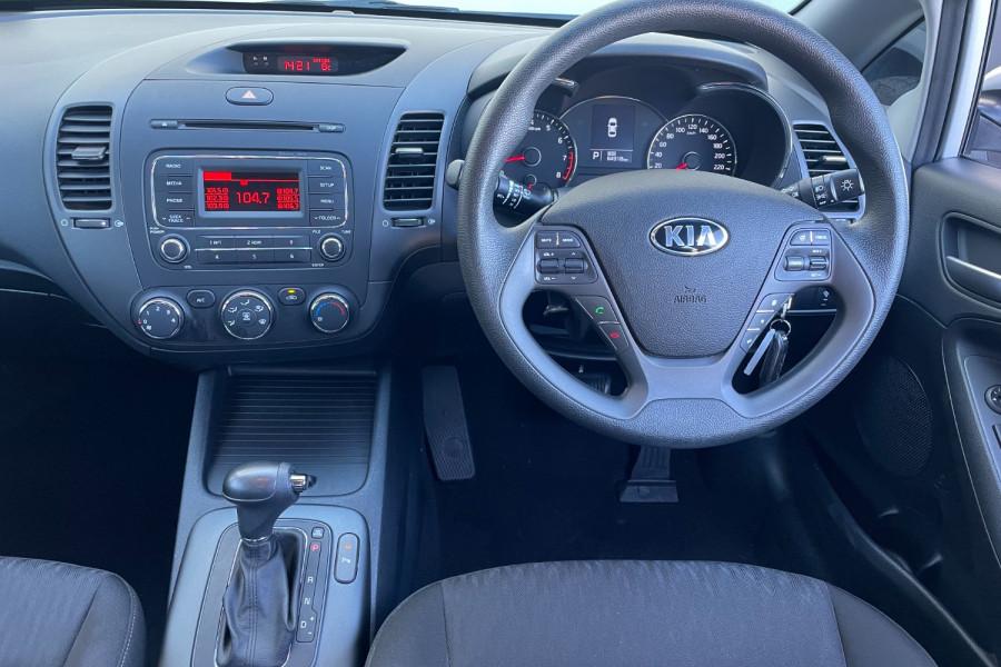 2016 Kia Cerato YD S Hatchback Image 10