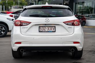2017 Mazda 3 Hatchback Image 5
