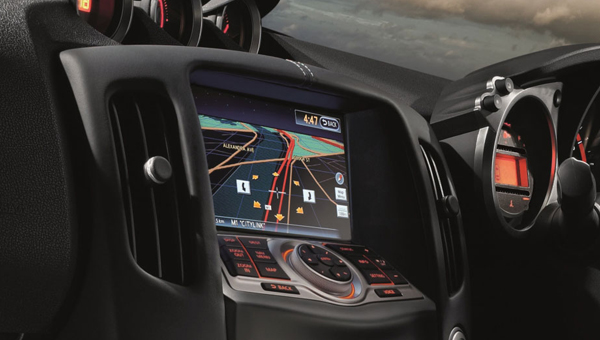370Z Coupe Everything you need in one easy to use touchscreen.