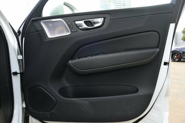 2018 Volvo XC60 D5 R-Design Suv Image 5