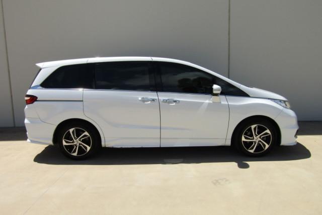 2015 MY16 Honda Odyssey 5th Gen VTi-L Wagon