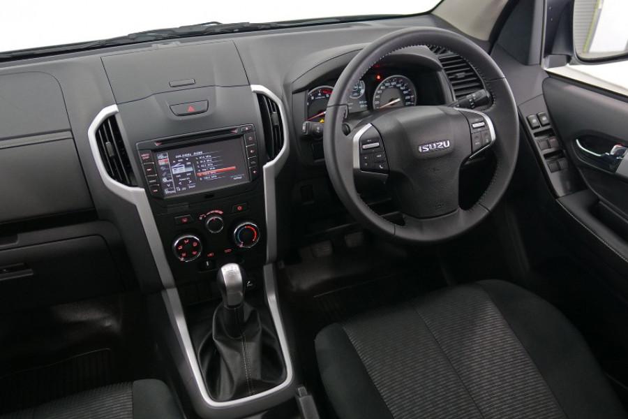 2019 Isuzu UTE D-MAX LS-M Crew Cab Ute 4x4 Utility Image 13