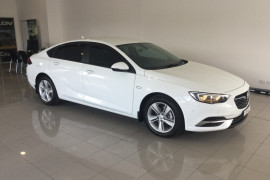2017 MY18 Holden Commodore ZB MY18 LT Hatch Image 2