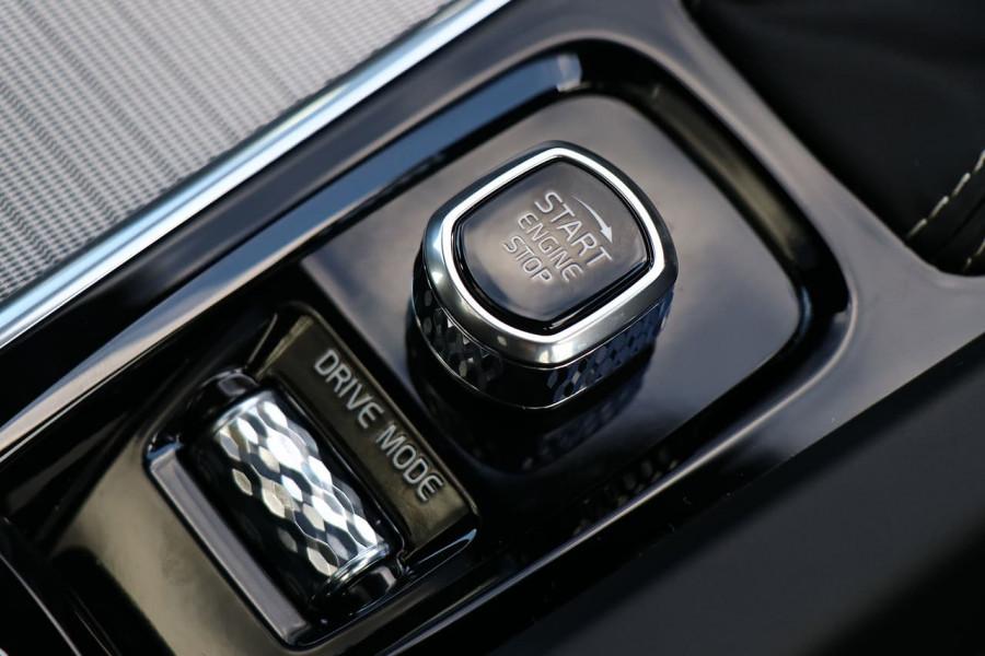 2020 Volvo S60 Z Series T5 R-Design Sedan Mobile Image 16