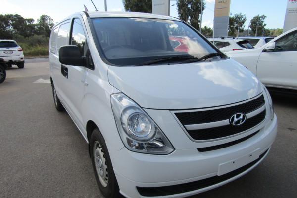 2013 MY14 Hyundai Iload TQ2-V MY14 Van Image 3