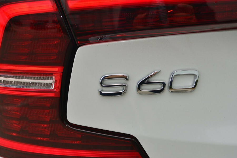 2019 MY20 Volvo S60 Z Series T5 Inscription Sedan Image 20