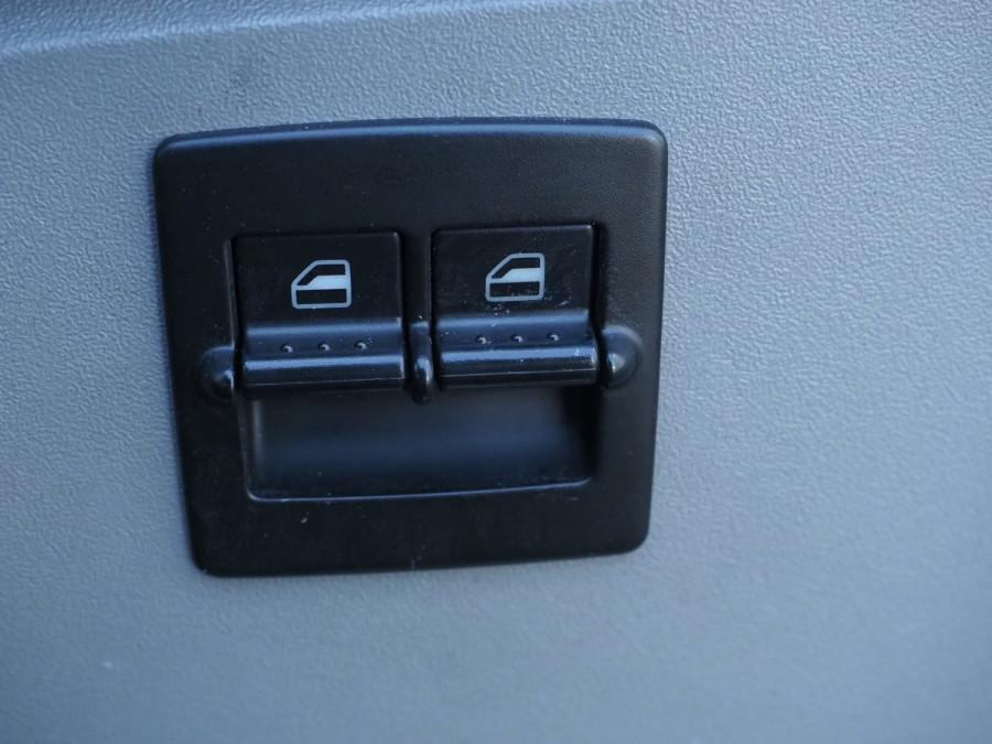 2005 Volkswagen Beetle 9C MY2005 Coupe Image 14