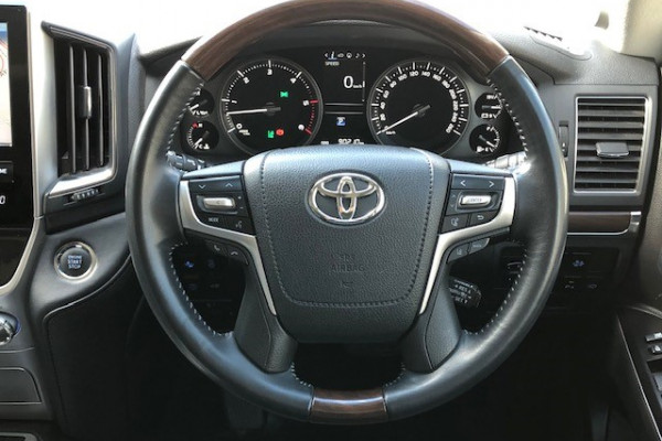 2017 Toyota Landcruiser VDJ200R SAHARA Suv Image 3