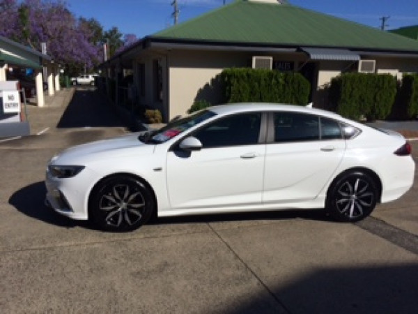 2018 Holden Commodore ZB MY18 RS Liftback Image 5