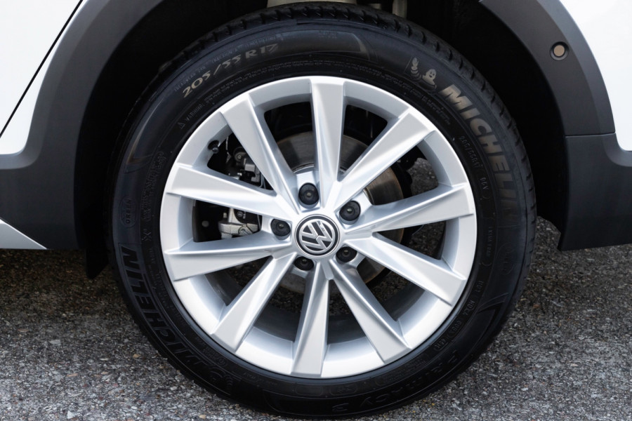 2020 MY0  Volkswagen Golf 7.5 Alltrack 132TSI Premium Wagon Image 19