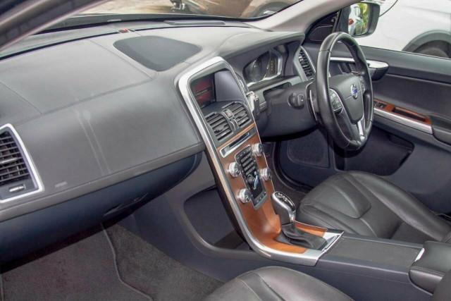 2016 Volvo XC60 D5 Luxury 8 of 22