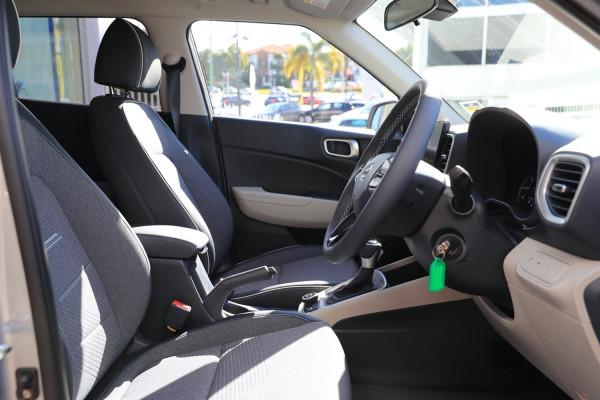 2020 Hyundai Venue QX Elite Wagon Image 5