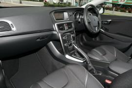 2018 Volvo V40 M Series T3 Momentum Wagon