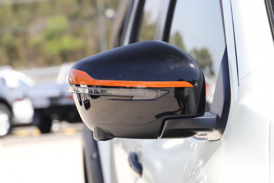 2020 Nissan Navara D23 Series 4 N-TREK Utility Image 3