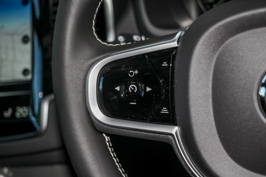 2021 Volvo XC90 L Series T6 R-Design Suv Image 17