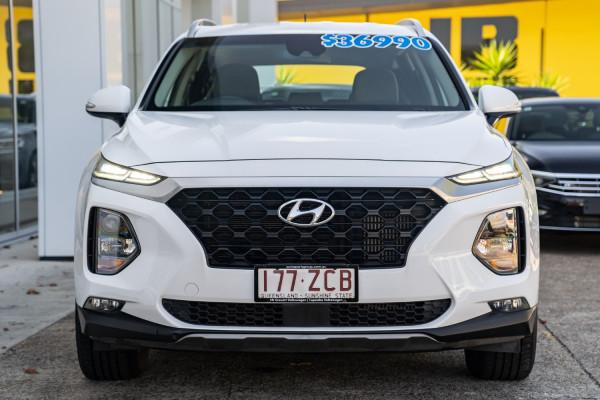 2018 Hyundai Santa Fe DM5  Active Suv Image 4