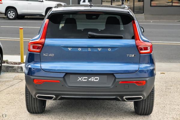 2019 Volvo XC40 XZ T5 R-Design Suv Image 3
