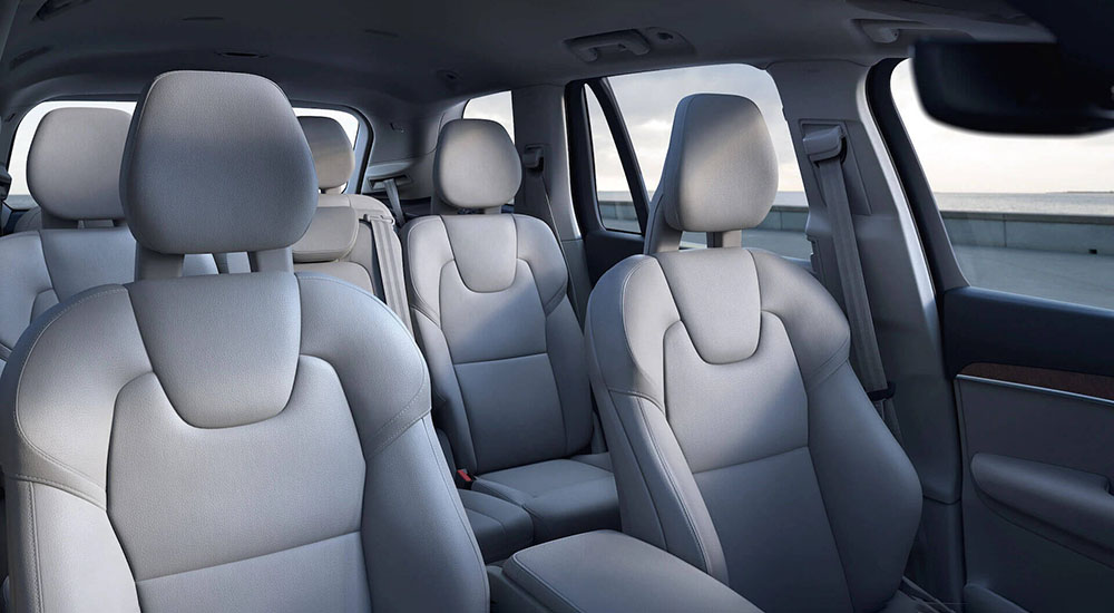 Intuitively yours. Advanced technology helps connect your drive to personalised comfort and mobility. Image