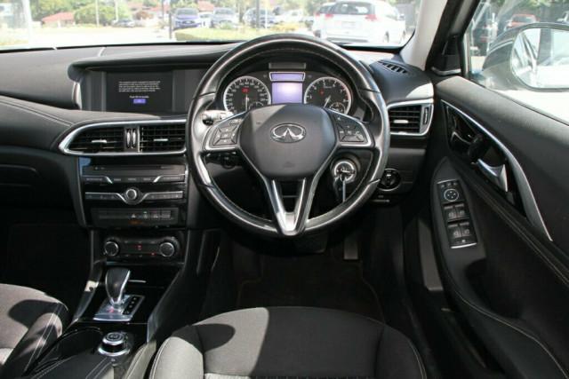 2016 Infiniti QX30 H15 GT D-CT AWD Suv Image 16