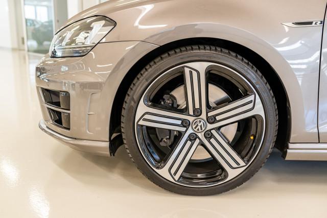 2016 Volkswagen Golf 7 R Hatchback Image 12