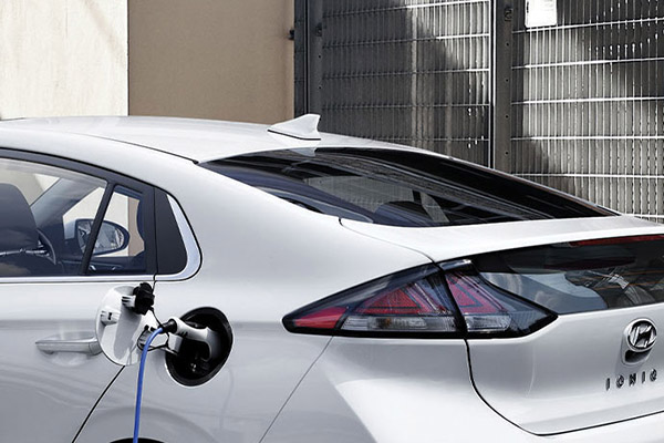 IONIQ Electric 3 recharge options.