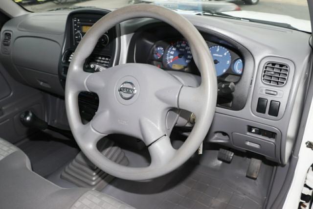 2011 Nissan Navara D22 S5 DX 4x2 Cab chassis