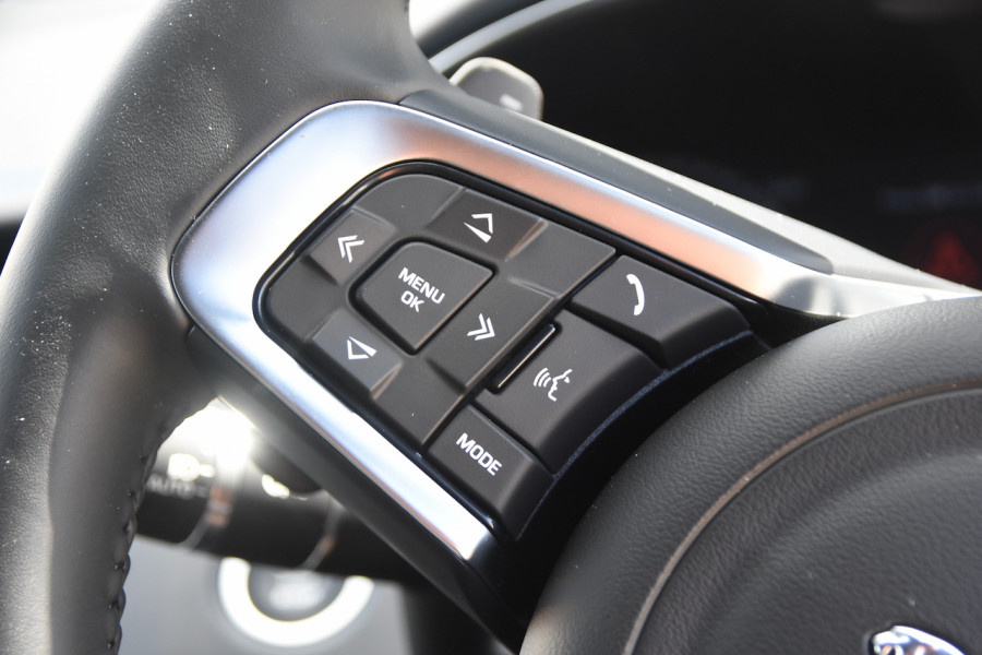 2019 MY20 Jaguar E-PACE Suv Image 11