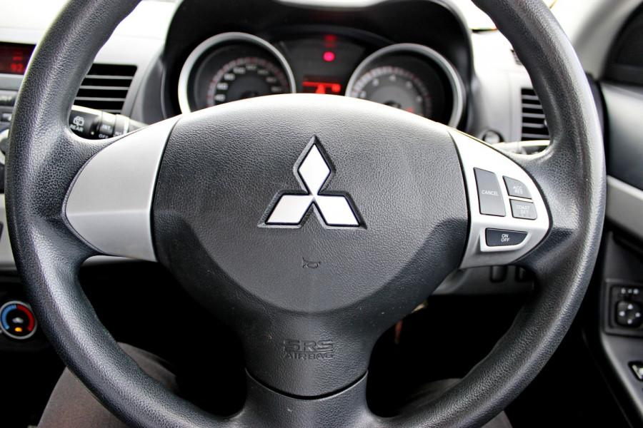 2008 MY09 Mitsubishi Lancer ES Hatchback Image 19