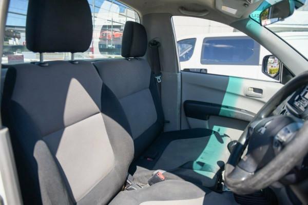 2010 Mitsubishi Triton MN MY10 GLX 4x2 Cab chassis