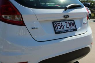 2010 Ford Fiesta WT LX Hatchback Image 4
