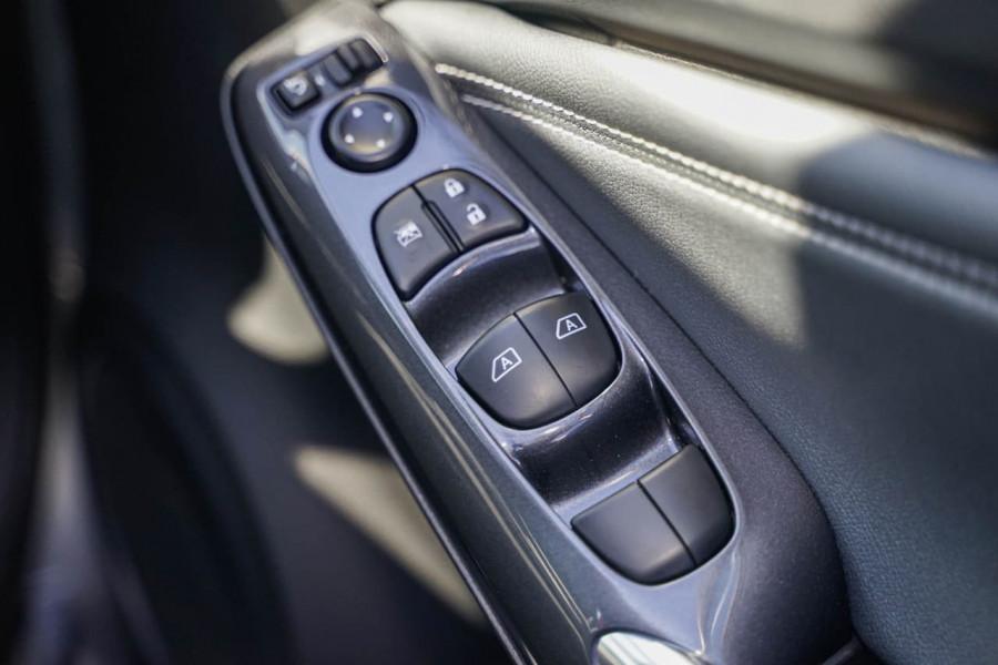 2020 Nissan JUKE F16 ST-L Hatchback Image 10