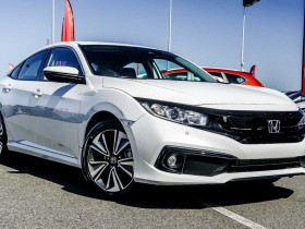 Honda Civic Sedan VTi-L 10th Gen