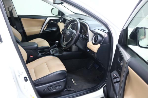 2016 Toyota RAV4 ASA44R CRUISER Suv Image 4