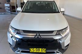 2018 MY19 Mitsubishi Outlander ZL MY19 ES Suv Image 2