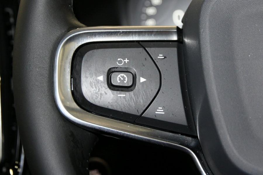 2019 MY20 Volvo XC40 536 MY20 T4 Momentum (FWD) Suv Image 10