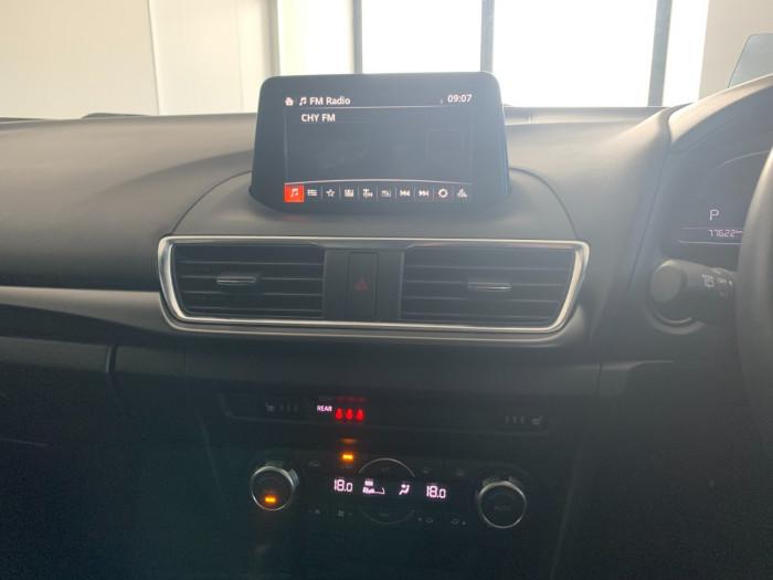 2016 Mazda 3 BM5438 SP25 Hatchback Image 16