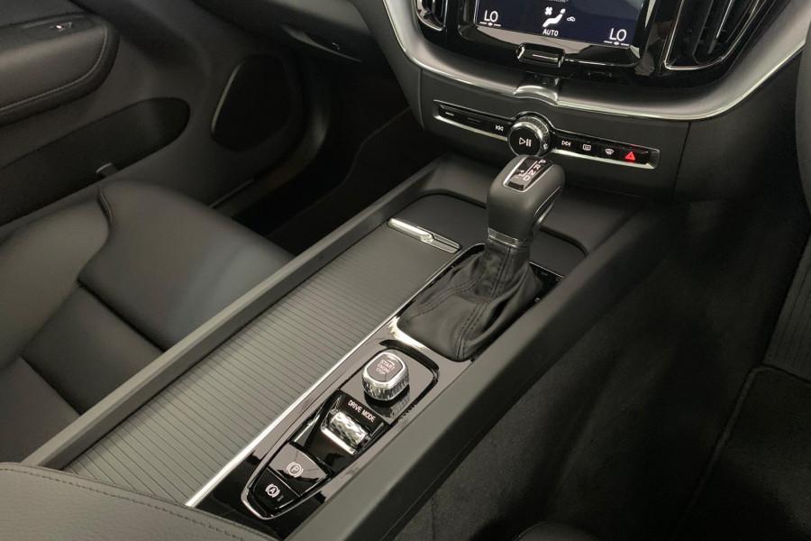 2020 Volvo XC60 UZ T5 Momentum Suv Mobile Image 18
