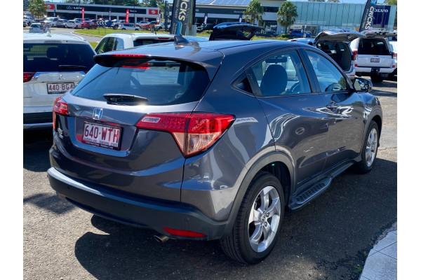 2016 Honda Hr-v  Limited Edition Hatchback Image 3