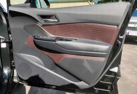 2017 Toyota C-hr NGX50R Koba Suv image 37
