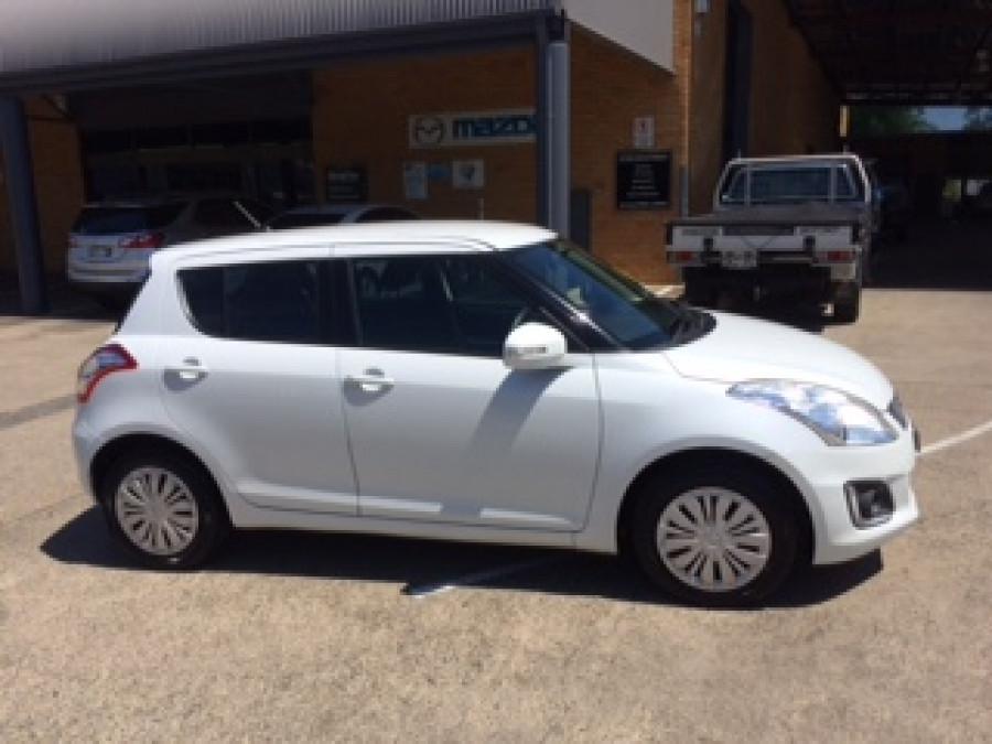 2014 Suzuki Swift FZ MY14 GL Hatchback Image 1