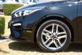2019 Kia Cerato Hatch BD Sport Plus Hatchback Image 5