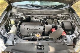 2011 Mitsubishi Outlander ZH MY11 XLS Suv Image 3