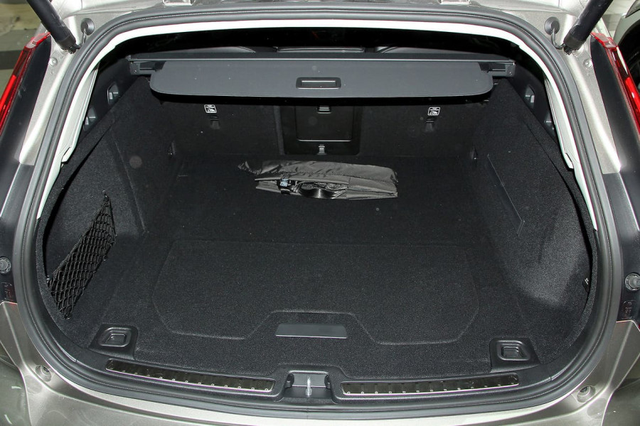 2019 MY20 Volvo V60 (No Series) T5 Momentum Wagon Mobile Image 16
