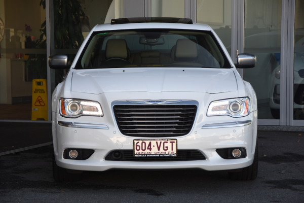 2014 Chrysler 300 LX C Sedan Image 2