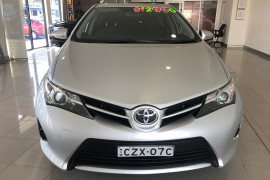 2013 Toyota Corolla ZRE182R Ascent Hatchback Image 2