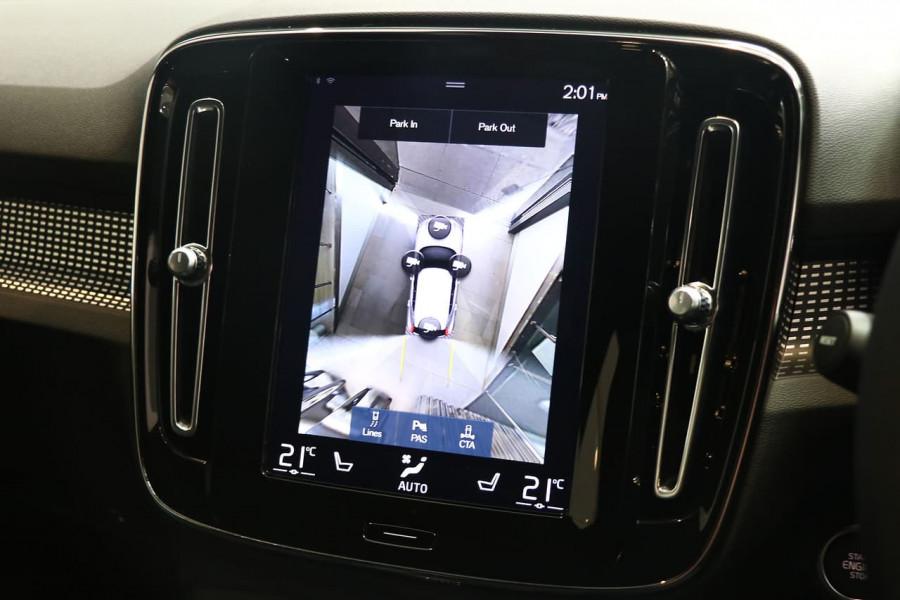 2021 Volvo XC40 XZ T5 R-Design Suv Image 9