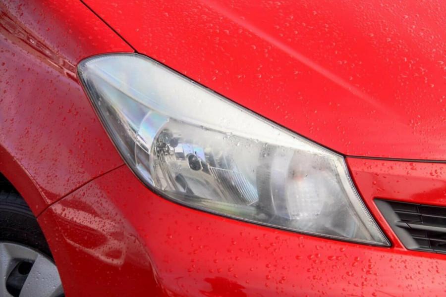 2013 Toyota Yaris NCP130R YR Hatchback Image 16