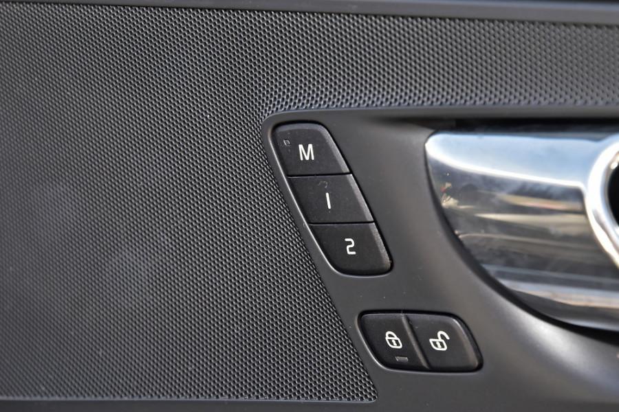 2019 Volvo XC60 UZ D5 R-Design Suv Mobile Image 22