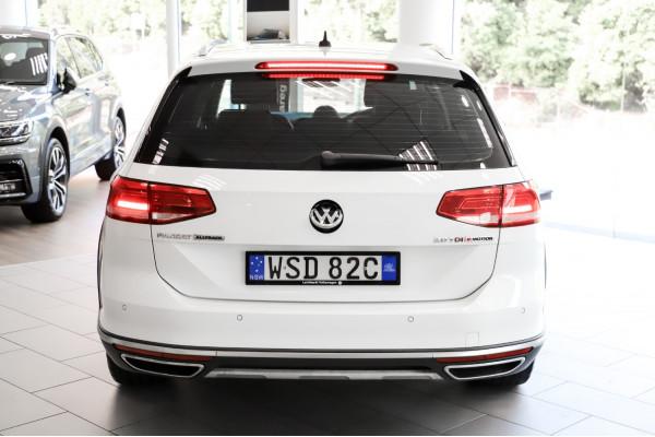 2016 Volkswagen Passat 3C (B8)  140TDI Alltrack Wagon Image 5